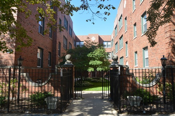 Condo,Residential Rental - CHICAGO, IL (photo 1)