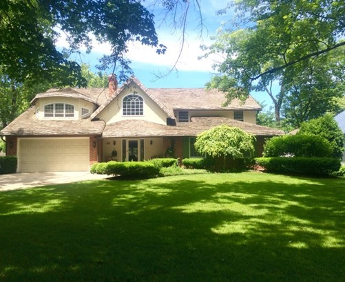 2 Stories, Traditional - LAKE BLUFF, IL