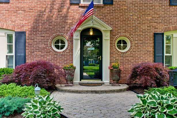 Colonial, 2 Stories - LAKE BLUFF, IL (photo 4)