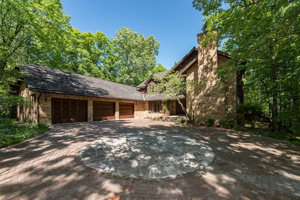 2 Stories, Traditional - LAKE FOREST, IL (photo 1)