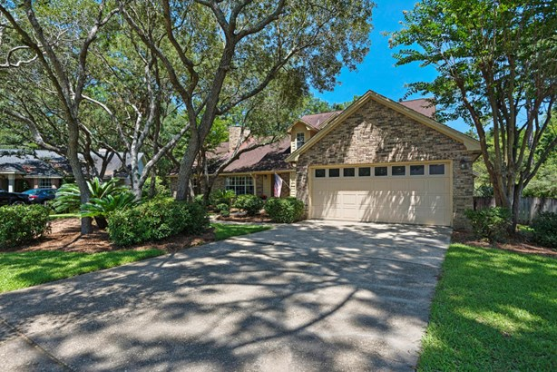 Detached Single Family, Traditional - Niceville, FL (photo 3)