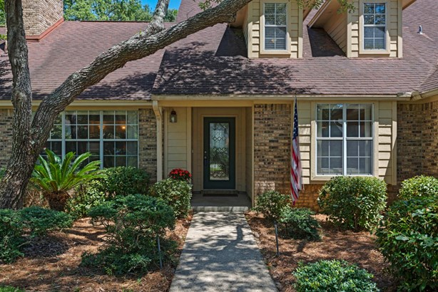 Detached Single Family, Traditional - Niceville, FL (photo 4)