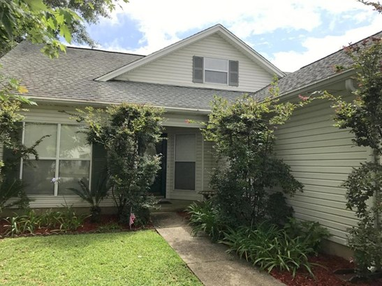 Detached Single Family, Traditional - Shalimar, FL (photo 1)