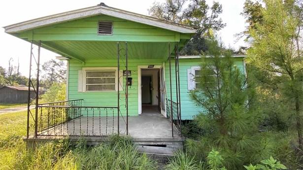 Detached Single Family, Modern - CHATTAHOOCHEE, FL