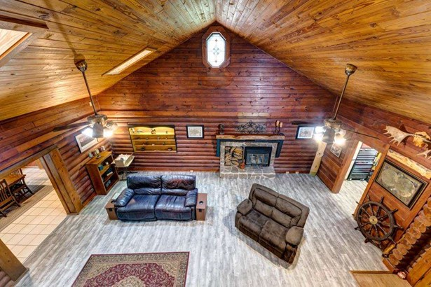 Detached Single Family, Log Home - TALLAHASSEE, FL
