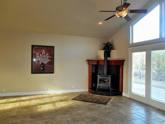 16730 Rossburg Place , Weed, CA - USA (photo 3)