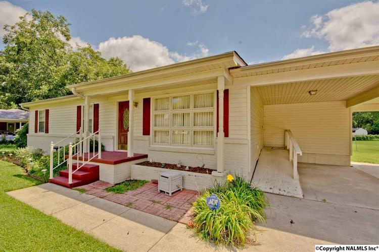 1708 Cagle Avenue, Decatur, AL - USA (photo 2)