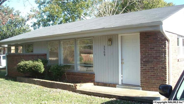 3509 Flamingo Road Sw, Huntsville, AL - USA (photo 1)