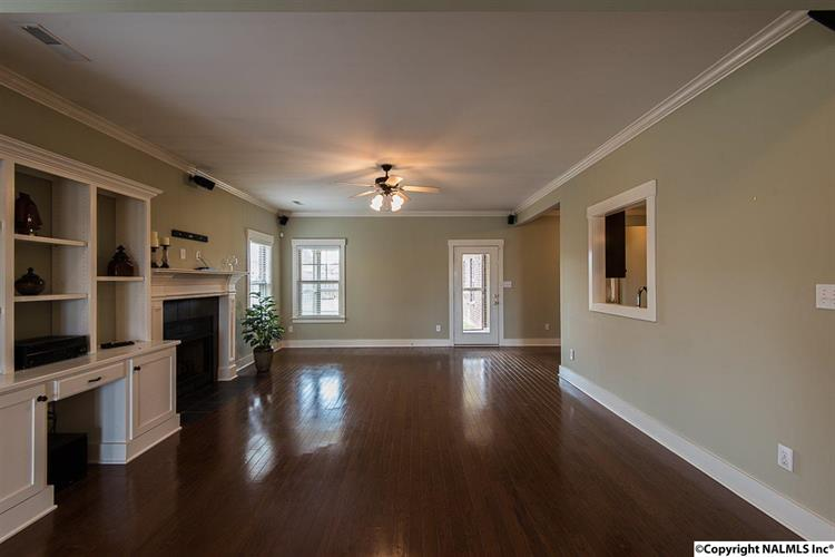 2437 Sw Bell Manor Drive, Huntsville, AL - USA (photo 2)