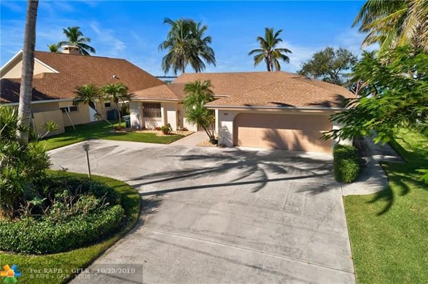 Single Family - Hutchinson Island, FL