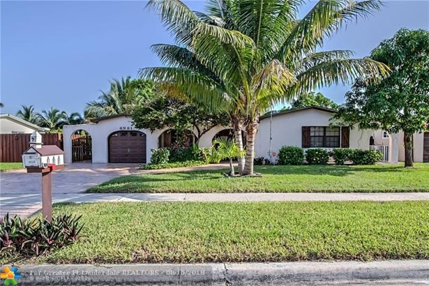 Single Family - Margate, FL