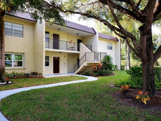 < 4 Floors, Condo/Coop - West Palm Beach, FL