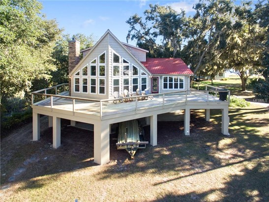Elevated, Single Family Residence - SALT SPRINGS, FL