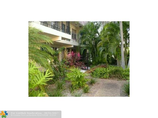 Condo/Co-Op/Villa/Townhouse, Condo 1-4 Stories - Fort Lauderdale, FL (photo 3)