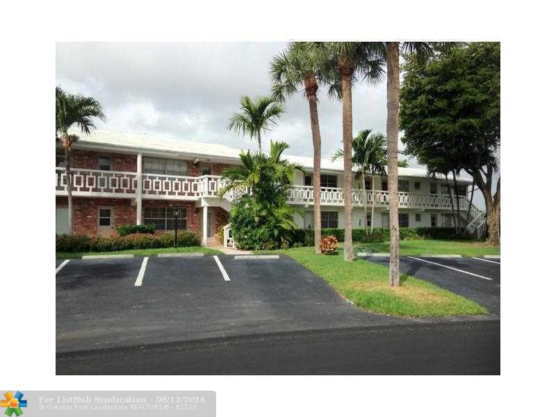 Condo/Co-Op/Villa/Townhouse, Co-Op 1-4 Stories - Pompano Beach, FL (photo 2)