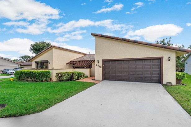 Single Family Detached, < 4 Floors,Ranch - Deerfield Beach, FL