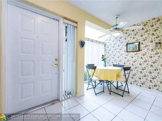 Condo/Co-op/Villa/Townhouse - Aventura, FL (photo 4)