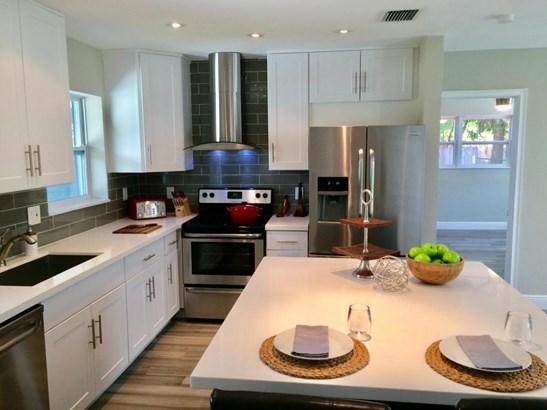 Single Family Detached, Contemporary,Mid Century,Ranch - Wilton Manors, FL (photo 5)