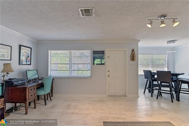 Single Family - Lake Worth, FL