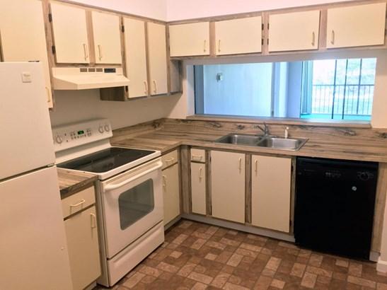 < 4 Floors,Multi-Level, Condo/Coop - Boca Raton, FL (photo 3)