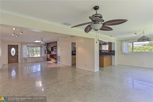 Single Family - Deerfield Beach, FL