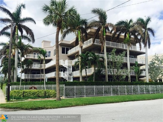 Condo/Co-op/Villa/Townhouse - Lake Worth, FL (photo 3)