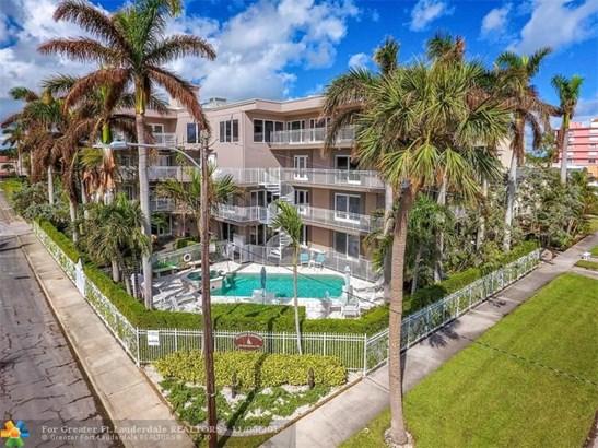 Condo/Co-op/Villa/Townhouse - Lake Worth, FL (photo 4)
