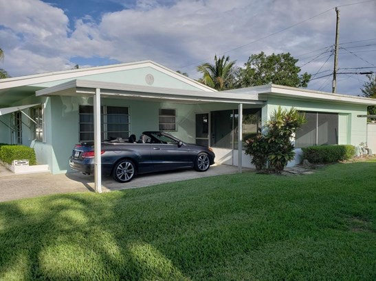 Single Family Detached - Lake Worth, FL (photo 3)