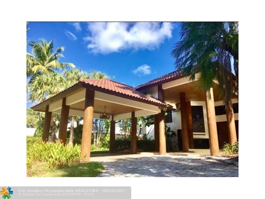 WF/Pool/No Ocean Access, Single Family - Boca Raton, FL (photo 2)