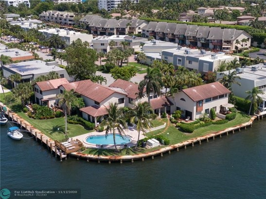Condo/Co-op/Villa/Townhouse - Highland Beach, FL