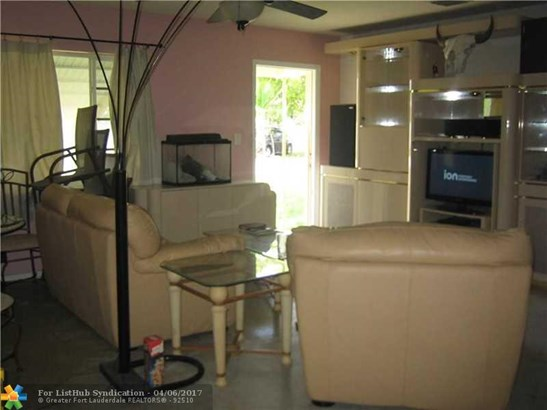 No Pool/No Water, Single Family - Wilton Manors, FL (photo 4)