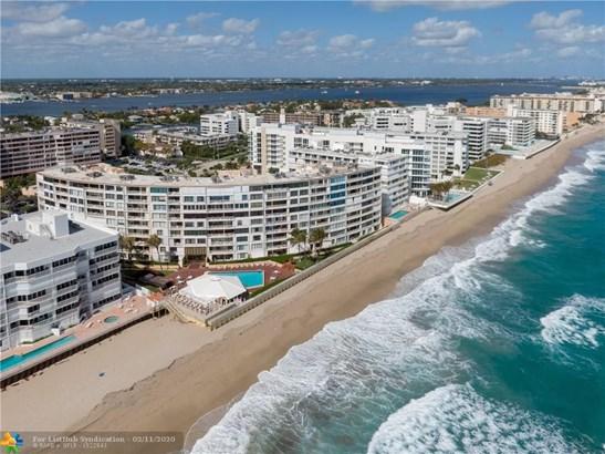 Condo/Co-op/Villa/Townhouse - South Palm Beach, FL