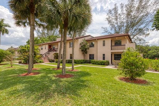 < 4 Floors, Condo/Coop - Boca Raton, FL