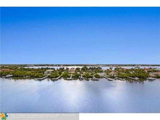 Condo/Co-op/Villa/Townhouse - South Palm Beach, FL (photo 1)
