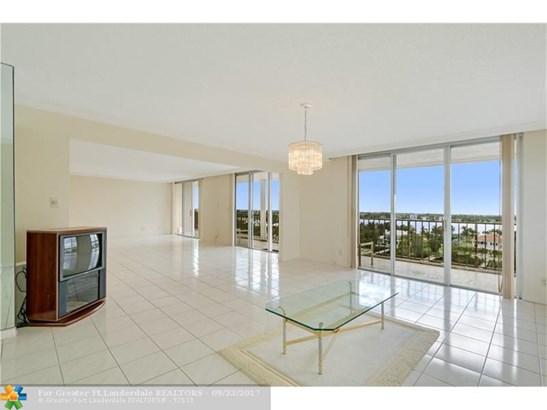 Condo/Co-op/Villa/Townhouse - South Palm Beach, FL (photo 3)