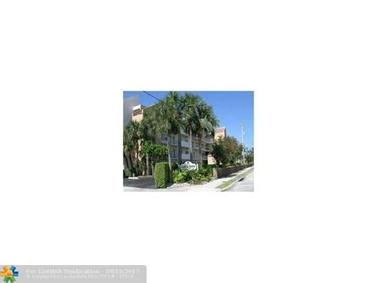 Residential Rental, Residential-Annual - Pompano Beach, FL (photo 1)