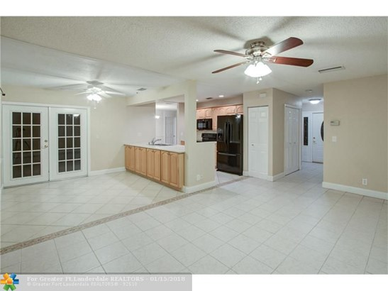 Single Family - Coral Springs, FL (photo 3)