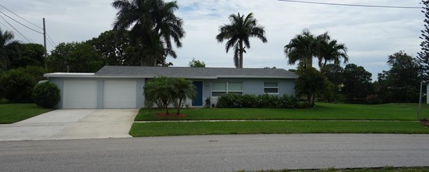 Single Family Detached, Ranch - Palm Springs, FL (photo 3)