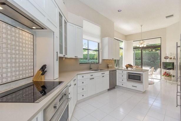 Single Family Detached, < 4 Floors - Boca Raton, FL (photo 2)