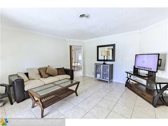 Pool Only, Single Family - Lauderdale Lakes, FL (photo 2)