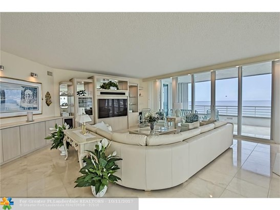 Condo/Co-op/Villa/Townhouse - Lauderdale By The Sea, FL (photo 5)