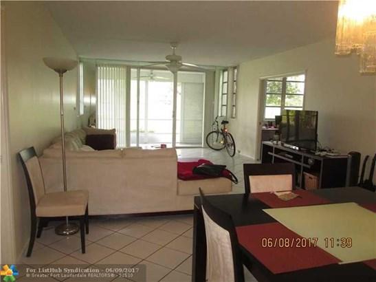 Condo/Co-Op/Villa/Townhouse, Condo 5+ Stories - Pompano Beach, FL (photo 4)