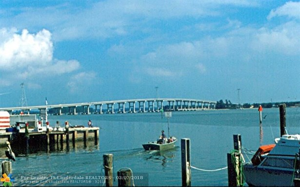 Single Family - Hutchinson Island, FL (photo 3)