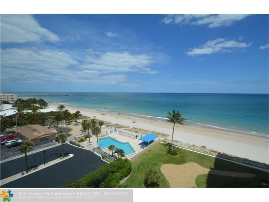 Condo/Co-op/Villa/Townhouse - Lauderdale By The Sea, FL (photo 2)