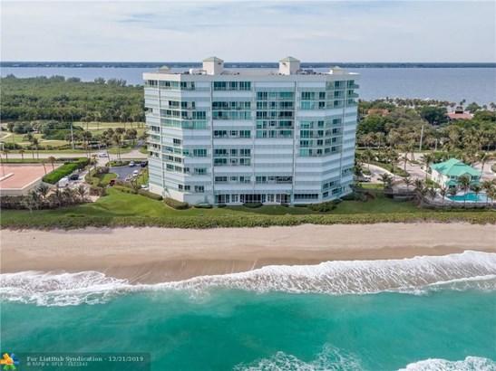 Condo/Co-op/Villa/Townhouse - Jensen Beach, FL