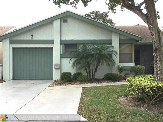 Single Family - Coconut Creek, FL (photo 1)