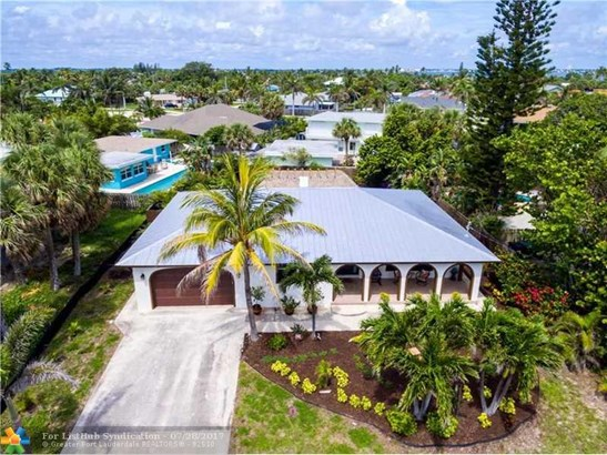 No Pool/No Water, Single Family - Hutchinson Island, FL (photo 2)
