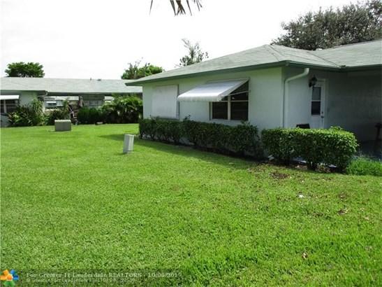 Condo/Co-op/Villa/Townhouse - Delray Beach, FL (photo 2)
