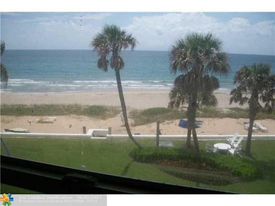 Condo/Co-Op/Villa/Townhouse, Co-Op 1-4 Stories - Hillsboro Beach, FL (photo 2)