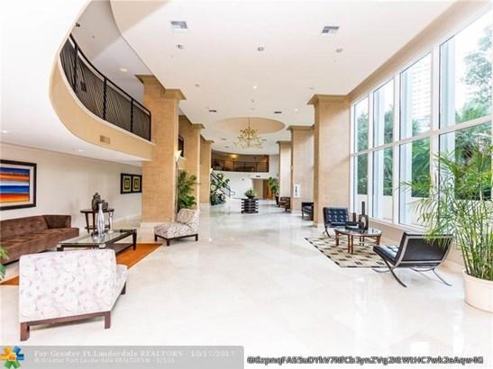 Condo/Co-op/Villa/Townhouse - Aventura, FL (photo 2)